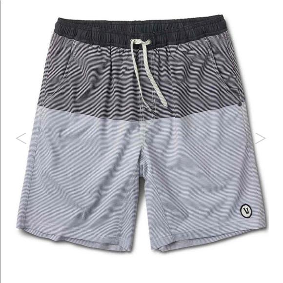 7e6e48e8dd Vuori - Men's Kore Short, Navy-Charcoal Stripe. M_5c2d0b30409c15661c09e770